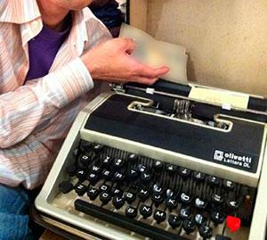 Olivetti Lettera DL (オリベッティ製タイプライター レッテラDL)
