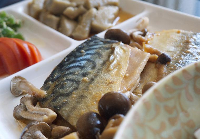 マルハニチロ食品 new素材deソフト は、普通の魚の切り身と同じ形です
