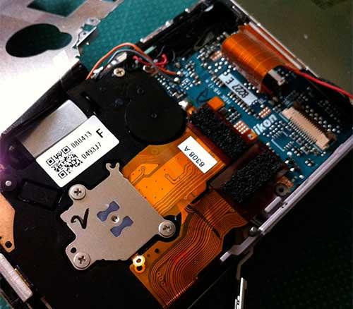 デジタルカメラ、ニコン NIKON COOLPIX S600 の分解、CCDの基板